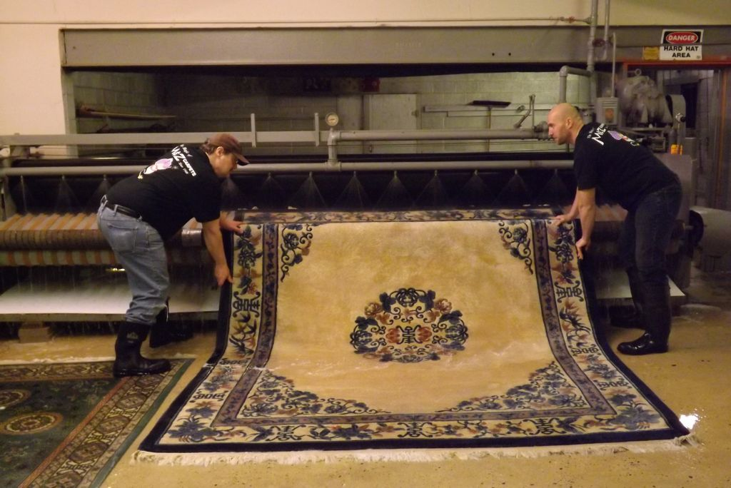 How to Clean a Rug Like a Pro
