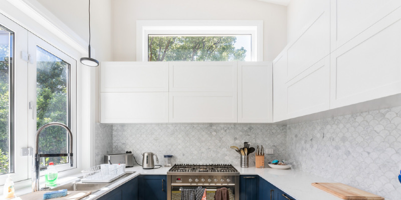 Kitchen of the Week: A Cheery Combined Space in Brooklyn
